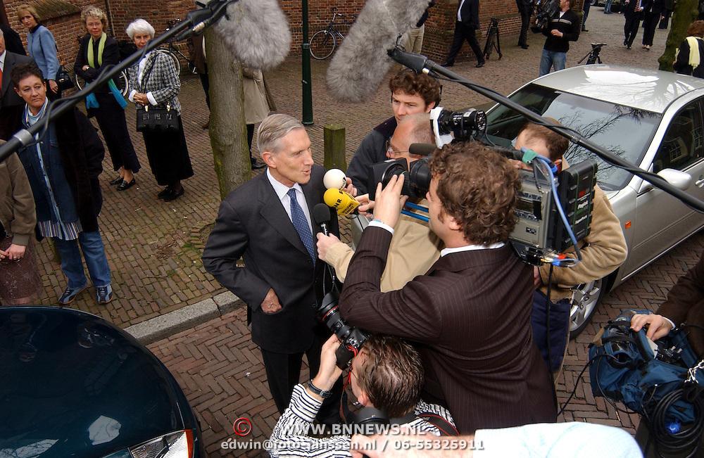 Mattheus Passion 2005, Ben Bot geinterviewd.camera, kamera, media, televisie, tv, pers