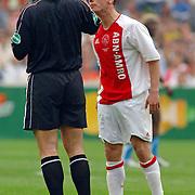 NLD/Rotterdam/20060507 - Finale competitie 2005/2006 Gatorade cup Ajax - PSV,  Wesley Sneijder krijgt gele kaart na schelden op de scheidsrechter Pieter Vink