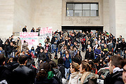 Students ounside of the University La Sapienza<br /> 12 dicembre  2013 . Daniele Stefanini /  OneShot