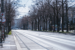 "THEMENBILD - leere Strassen am Ring in Folge des Coronavirus-Ausbruchs in Oesterreich, aufgenommen am 14.03.2020, Wien, Oesterreich // empty streets at the ""Ring"" as a result of the coronavirus outbreak in Austria, Vienna, Austria on 2020/03/14. EXPA Pictures © 2020, PhotoCredit: EXPA/ Florian Schroetter"
