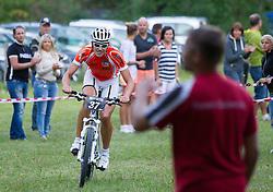 16.08.2013, Tristach, AUT, ECCO Benetton Sprint 2013, im Bild Mountainbiker vor der Übergabe beim Kreithof. EXPA Pictures © 2013, PhotoCredit: EXPA/ Johann Groder