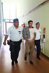 EDER GUIDARELLI MATTIOLI PORTATO DALLE GUARDIE IN TRIBUNALE<br /> UDIENZA PROCESSO OMICIDIO MARCELLO CENCI FERRARA