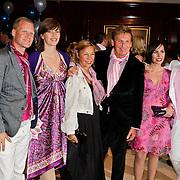 NLD/Noordwijk/20100502 - Gerard Joling 50ste verjaardag, henny huisman en partner Lia van Guijk en dochters Nikkie en Lobke