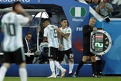 (l-r) Enzo Perez of Argentina, Cristian Pavon of Argentina, assistant referee Bjorn Kuipers during the 2018 FIFA World Cup Russia group  D match between Nigeria and Argentina at the Saint Petersburg Stadium on June 26, 2018 in Saint Petersburg, Russia