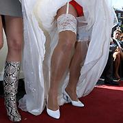 NLD/Amsterdam/20080914 - BN'ers modeshow voor CF stichting, Emile Ratelband verkleed als bruid met Rosalie van Breemen
