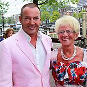 NLD/Amsterdam/20110731 - Premiere circus Hurricane met Hans Klok, Gerard Joling met zijn moeder Janny