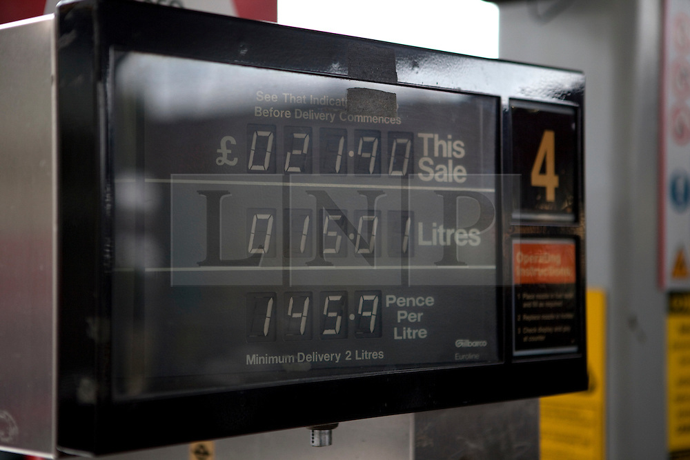 © Licensed to London News Pictures. 27/02/2012. London, U.K. Petrol prices continue to rise in the UK. Petrol statoions in North London today 27 February 2012. Photo credit : Rich Bowen/LNP