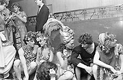 Hugh Grant, Marina Killery, Lulu Rivett-Carnac, Lord Neidpath and Catherine Guinness.  Piers Gaveston Ball. Park Lane Hotel London. 13 May 2001. © Copyright Photograph by Dafydd Jones 66 Stockwell Park Rd. London SW9 0DA Tel 020 7733 0108 www.dafjones.com