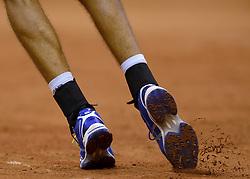 12-09-2014 NED: Davis Cup Nederland - Kroatie, Amsterdam<br /> Schoenen, Service, Tennis schoenen, Asics, item Tennis