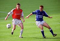 Oleg Luzhny (Arsenal) Richard Naylor (Ipswich Town). F.A.Carling Premiership,23/9/2000. Credit: Colorsport / Stuart MacFarlane.