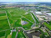 Nederland, Zuid-Holland, Pijnacker-Nootdorp; 14–05-2020; Bergboezem Polder van Oude Leede, ter hoogte van buurtschap Oude Leede, onderdeel van de Berkelse Boezem. De polder, met de Boezemweg,  is een natuurreservaat en tevens voorbestemd als waterberging ofwel een calamiteitenberging. Foto richting Berkel en Rodenrijs, kassengebied Bleiswijk.<br /> Bergboezem Polder van Oude Leede, near the hamlet of Oude Leede, part of the Berkelse Bosom. The polder is a nature reserve and also destined as a water storage or a calamity storage.<br /> <br /> luchtfoto (toeslag op standaard tarieven);<br /> aerial photo (additional fee required)<br /> copyright © 2020 foto/photo Siebe Swart