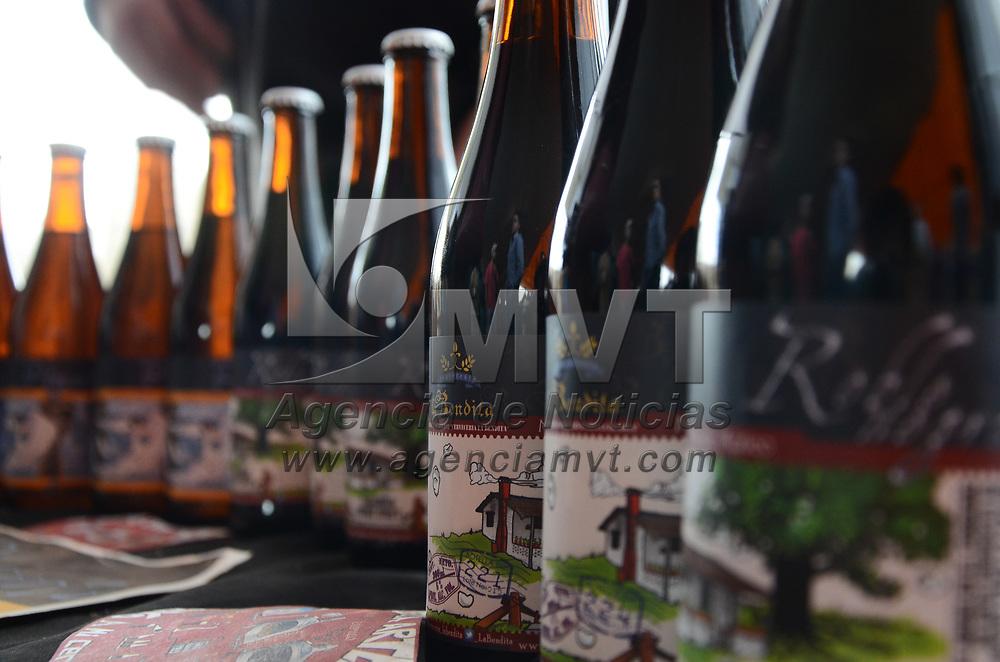 """Metepec, México (Mayo 06, 2017).- Cerveza artesanal, gastronomia y música en vivo se conjuntaron para formar parte del festival gastronómico y cervecero """"Nevado Fest"""" en el pueblo Mágico de Metepec. Agencia MVT / Arturo Hernández."""