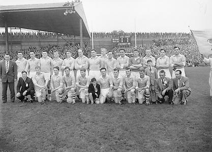Neg No:.A831/49906-05006...28091958AISFCF.28.09.1958, 09.28.1958, 28th September 1958.All Ireland Senior Football Championship - Final...Dublin.02-12.Derry.01-09...Dublin. ..P. O'Flaherty, L. Foley, M. Wilson, Joe Timmons, C. O'Leary, J. Crowley, J. Boyle, John Timmons, S. Murray, P. Haughey, O. Freaney, D. Ferguson, P. Farnan, J. Joyce, K. Heffernan (Captain).Subs: Maurice Whelon for Murray; P. Downey for John Timmons...