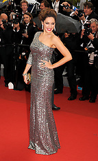 Kelly Brook on the red carpet at Cannes-21-5-12