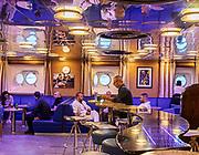 COSTA CROCIERE: bar per il personale. staff bar