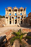 Picture& image of The library of Celsus. Images of the Roman ruins of Ephasus, Turkey. Stock Picture & Photo art prints 1 .<br /> <br /> If you prefer to buy from our ALAMY PHOTO LIBRARY  Collection visit : https://www.alamy.com/portfolio/paul-williams-funkystock/ephesus-celsus-library-turkey.html<br /> <br /> Visit our TURKEY PHOTO COLLECTIONS for more photos to download or buy as wall art prints https://funkystock.photoshelter.com/gallery-collection/3f-Pictures-of-Turkey-Turkey-Photos-Images-Fotos/C0000U.hJWkZxAbg