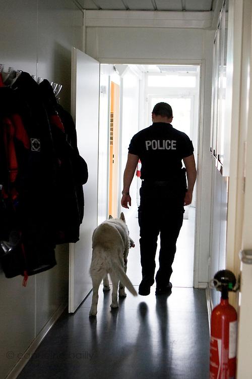Paris, France. 27 Avril 2009..Police Fluviale de Paris.Quai Saint Bernard (5eme arrondissement)..Paris, France. April 27th 2009..Paris fluvial squad..Quai Saint Bernard (5th arrondissement)
