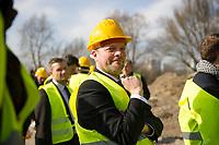 DEU, Deutschland, Germany, Berlin, 17.03.2015: Stefan Komoß (SPD), Bürgermeister von Marzahn-Hellersdorf, beim Rundgang über das Gelände der Internationalen Gartenschau (IGA) 2017 in den Gärten der Welt.