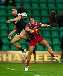 Ollie Hassell-Collins of London Irish challenges Cadan Murley of Harlequins - Mandatory by-line: Robbie Stephenson/JMP - 28/07/2017 - RUGBY - Franklin's Gardens - Northampton, England - Harlequins v London Irish - Singha Premiership Rugby 7s