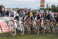 2019-11-03: Cycling: Superprestige: Ruddervoorde: Full speed entering the fields