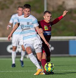 Frederik Juul Christensen (FC Helsingør) og Frederik Mortensen (Skive IK) under kampen i 1. Division mellem FC Helsingør og Skive IK den 18. oktober 2020 på Helsingør Stadion (Foto: Claus Birch).