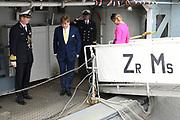 Staatsbezoek van Koning Willem Alexander en Koningin Máxima aan het Verenigd Koninkrijk<br /> <br /> Statevisit of King Willem Alexander and Queen Maxima to the United Kingdom<br /> <br /> Op de foto / On the photo: Koning Willem Alexander en Koningin Maxima brengen een bezoek aan Bezoek aan Zr. Ms. Zeeland (naast de HMS Belfast in de Theems)<br /> <br /> King Willem Alexander and Queen Maxima pay a visit to Zr. Ms. Zeeland (next to the HMS Belfast in the Thames)