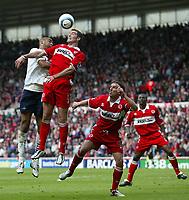 Fotball<br /> England 2004/2005<br /> Foto: SBI/Digitalsport<br /> NORWAY ONLY<br /> <br /> Middlesbrough v Tottenham Hotspurs, Barclays Premiership, Riverside Stadium, Middlesbrough 07/05/2005.<br /> <br /> Tottenham's Freddie Kanoute (L) loses out in an aerial battle with Middlesbrough's Franck Queudrue (R).