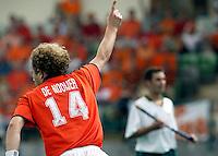WK Hockey. Nederland-Zuid Afrika. Teun de Nooijer heeft in de elfde minuut voor Nederland de stand op 1-0 gebracht.
