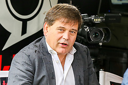 © Licensed to London News Pictures. 21/10/2019. London, UK. Member of Parliament for North West Leicestershire and a member of European Research Group (ERG) ANDREW BRIDGEN speaking with media in College Green, Westminster. Photo credit: Dinendra Haria/LNP