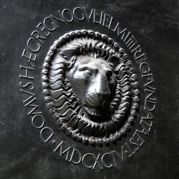 Logo on steel door of Bank of England