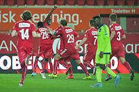 Fotball<br /> 30. September 2015<br /> UEFA YOUTH LEAUGE<br /> Brann Stadion<br /> Brann - Anderlecht<br /> En glad gjeng etter scoringen , Henrik Magnussen (L) , Ahmed Omar (7R) , målscorer Kapinga Brazy (6R) , Håkon Lorentzen (5R) , Fredrik Pallesen Knudsen (4R) , Oliver Rotihaug (3R) og Ulrik Edvardsen (R) , Brann <br /> Foto: Astrid M. Nordhaug