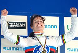 29-01-2006 WIELRENNEN: UCI CYCLO CROSS WERELD KAMPIOENSCHAPPEN: ZEDDAM <br /> Marianne Vos wordt WereldKampioen veldrijden<br /> ©2006-WWW.FOTOHOOGENDOORN.NL