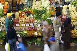 Mercado público para venda de legumes em Porto Alegre. FOTO: Jefferson Bernardes/Preview.com