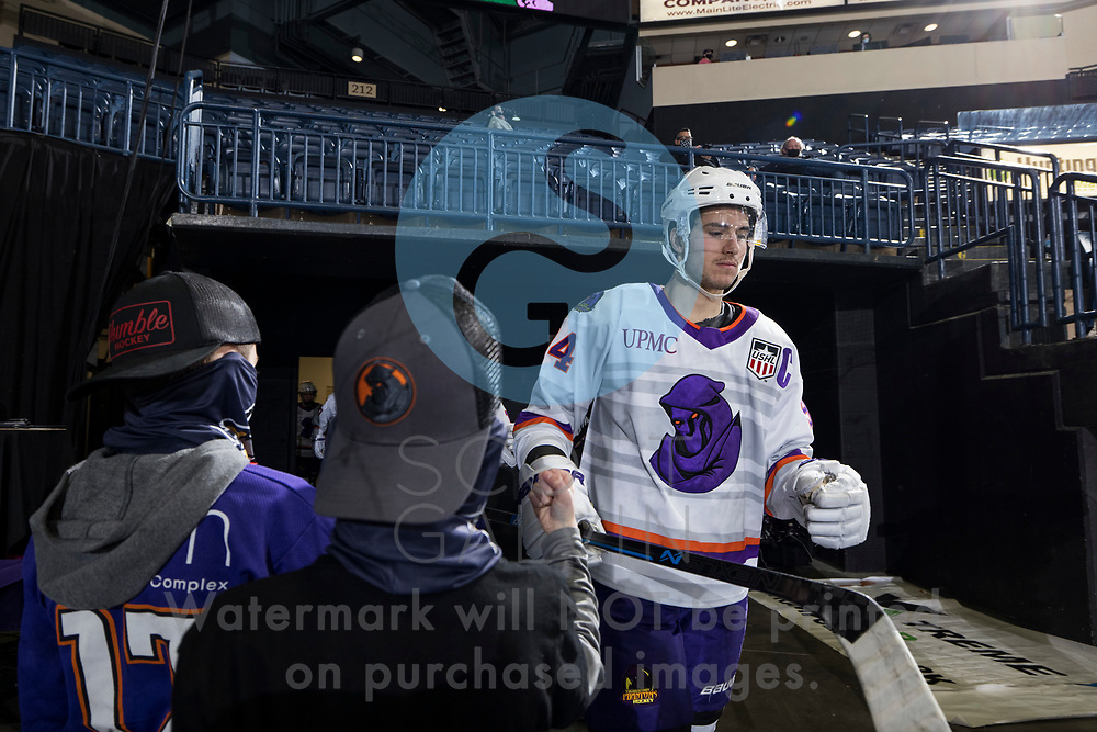 The Youngstown Phantoms defeat the Chicago Steel 5-2 at the Covelli Centre on January 23, 2021.<br /> <br /> Reilly Funk, forward, 94