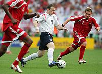 Fotball<br /> VM 2006<br /> Foto: Witters/Digitalsport<br /> NORWAY ONLY<br /> <br /> World Cup 2006 - Group B<br /> England v Trinidad og Tobago<br /> 15th June, 2006<br /> v.l. Wayne Rooney England, Christopher Birchall