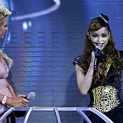 MON/Monte Carlo/20100512 - World Music Awards 2010, Paris Hilton reikt Asia Award uit aan Nami Amuro