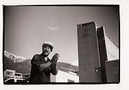 Un ouvrier se lave les mains avec des équipements posés contre le coronavirus covid 19, sur des chantiers chez Imboden<br /> Brigue mars 2020<br /> Projet sur la construction avec l'AVE (association Valaisanne des Entrepreneurs <br /> Suisse, Valais<br /> Project terre rare #photoargentique #noiretblanc #noiretblancphotographie #blackandwhite #blackandwhitephotography #photoargentique #photographieargentique #leica #leicamp #ilford #labophoto #terrerare #terresrares #terrerareprojet @omaire. <br /> (STUDIO_54/ OLIVIER MAIRE)