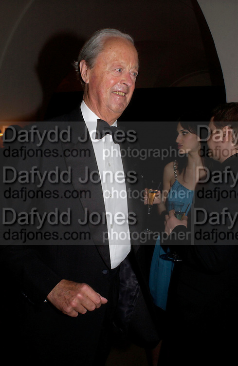 The Duke of Marlborough. Dinner to unveil the Van Cleef & Arpels jewellery collection 'Couture' with fashion by Anouska Hempel Couture. The Banqueting House, Whitehall Palace, London on 8th March 2005.ONE TIME USE ONLY - DO NOT ARCHIVE  © Copyright Photograph by Dafydd Jones 66 Stockwell Park Rd. London SW9 0DA Tel 020 7733 0108 www.dafjones.com
