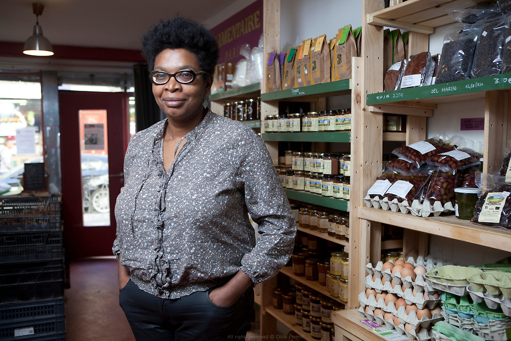 Trinka, membre fondatrice de la Coopérative Alimentaire de la Goutte d'Or, un projet participatif et autogéré pour une agriculture paysanne et sans intermédiaires.