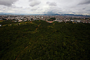Belo Horizonte_MG, Brasil...Na foto a Serra do Curral em Belo Horizonte, Minas Gerais.. . In the photo the Serra do Curral in Belo Horizonte, Minas Gerais...Foto: LEO DRUMOND / NITRO