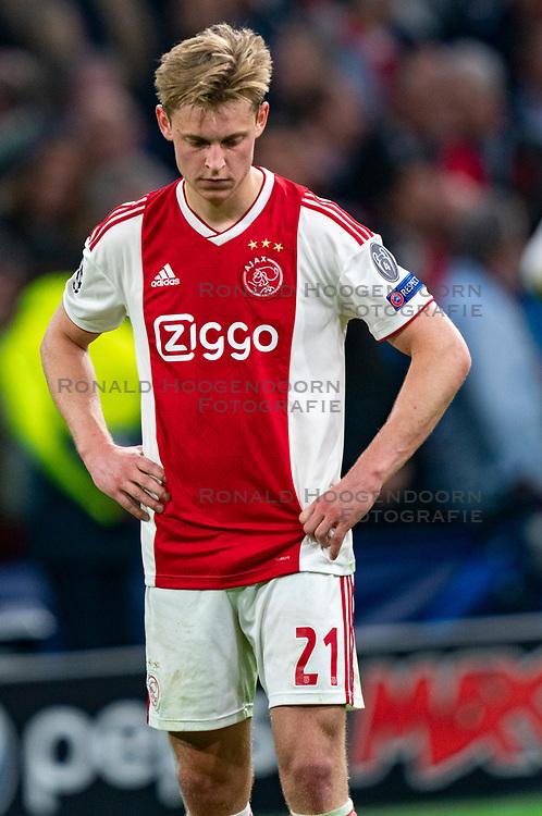 08-05-2019 NED: Semi Final Champions League AFC Ajax - Tottenham Hotspur, Amsterdam<br /> After a dramatic ending, Ajax has not been able to reach the final of the Champions League. In the final second Tottenham Hotspur scored 3-2 / Frenkie de Jong #21 of Ajax