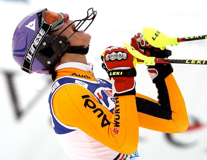14/12/08 ESQUI AUDI FIS WORLD CUP 2008/2009 EN LA ESTACIO?N DE ESQUI DE LA MOLINA LA ALEMANA MARIA RIESCH CELEBRA LA VICTORIA DEL SLALOM..