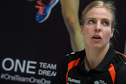 20-03-2016 FRA: Women's Olympic Qualification Tournament Pressmoment Netherlands, Metz<br /> Persmoment met het Nederlands team / Danick Snelder #10