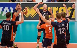 24-09-2016 NED: EK Kwalificatie Nederland - Wit Rusland, Koog aan de Zaan<br /> Nederland verliest de eerste twee sets / Robbert Andringa #18, Jasper Diefenbach #6