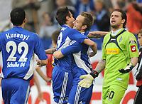 Fotball<br /> Tyskland<br /> 17.04.2010<br /> Foto: Witters/Digitalsport<br /> NORWAY ONLY<br /> <br /> Jubel 3:1 v.l. Kevin Kuranyi, Mario Gavranovic, Ivan Rakitic Schalke, Torwart Logan Bailly Gladbach<br /> Bundesliga FC Schalke 04 - Borussia Mönchengladbach