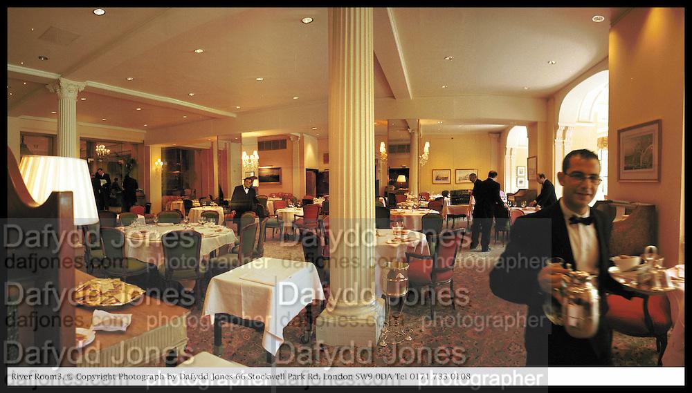 River Room restaurant, Savoy Hotel. London. © Copyright Photograph by Dafydd Jones 66 Stockwell Park Rd. London SW9 0DA Tel 0171 733 0108