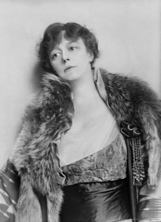 Irene Vanbrugh, actress, 1915