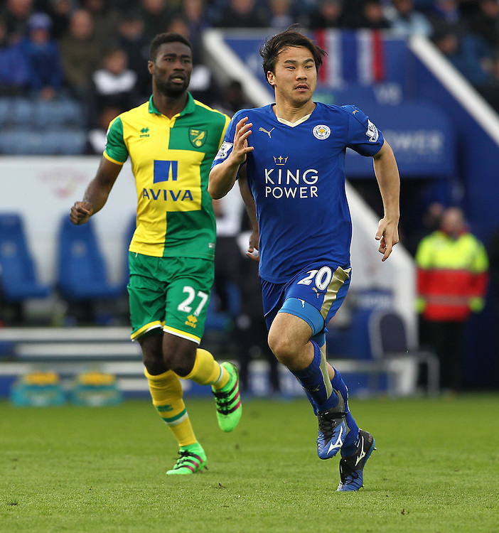 Leicester City's Shinji Okazaki and Norwich City's Alexander Tettey in action during todays match  <br /> <br /> Photographer Rachel Holborn/CameraSport<br /> <br /> Football - Barclays Premiership - Leicester City v Norwich City - Saturday 27th February 2016 - King Power Stadium - Leicester<br /> <br /> © CameraSport - 43 Linden Ave. Countesthorpe. Leicester. England. LE8 5PG - Tel: +44 (0) 116 277 4147 - admin@camerasport.com - www.camerasport.com