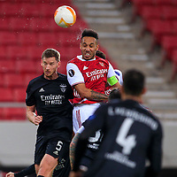 PIRAEUS, GREECE - FEBRUARY 25: Jan Vertonghen of SL Benfica and Pierre-Emerick Aubameyang of Arsenal FC during the UEFA Europa League Round of 32 match between Arsenal FC and SL Benfica at Karaiskakis Stadium on February 25, 2021 in Piraeus, Greece. (Photo by MB Media)