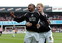 Photo: Kevin Poolman.<br /> Brentford v Swansea City. Coca Cola League 1, Play off Semi Final. 14/05/2006. Leon Knight celebrates his 2nd goal with Alan Tate.
